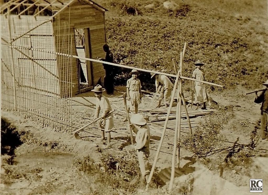 搭建難民營