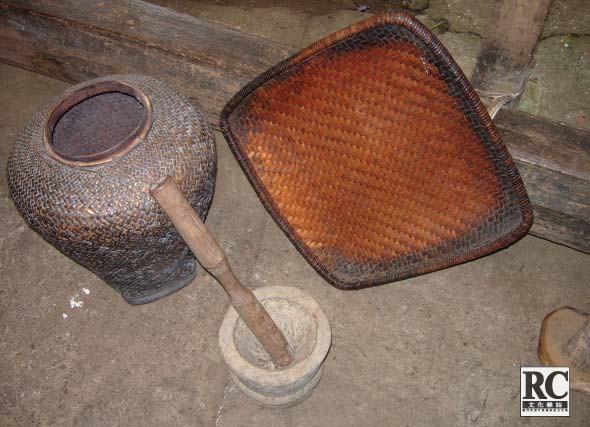 林鳳殘部教伊戈律人耕稼之生產工具