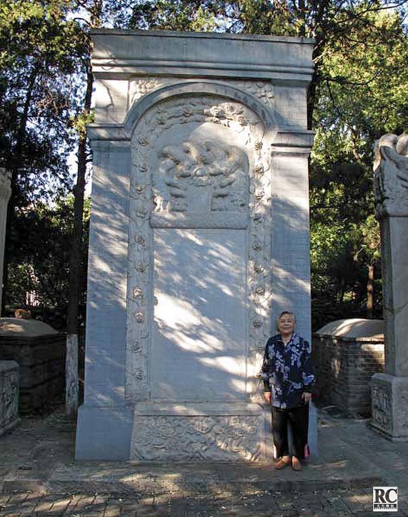 從上世紀50年代就開始保護利瑪竇墓地的文物工作者吳夢麟